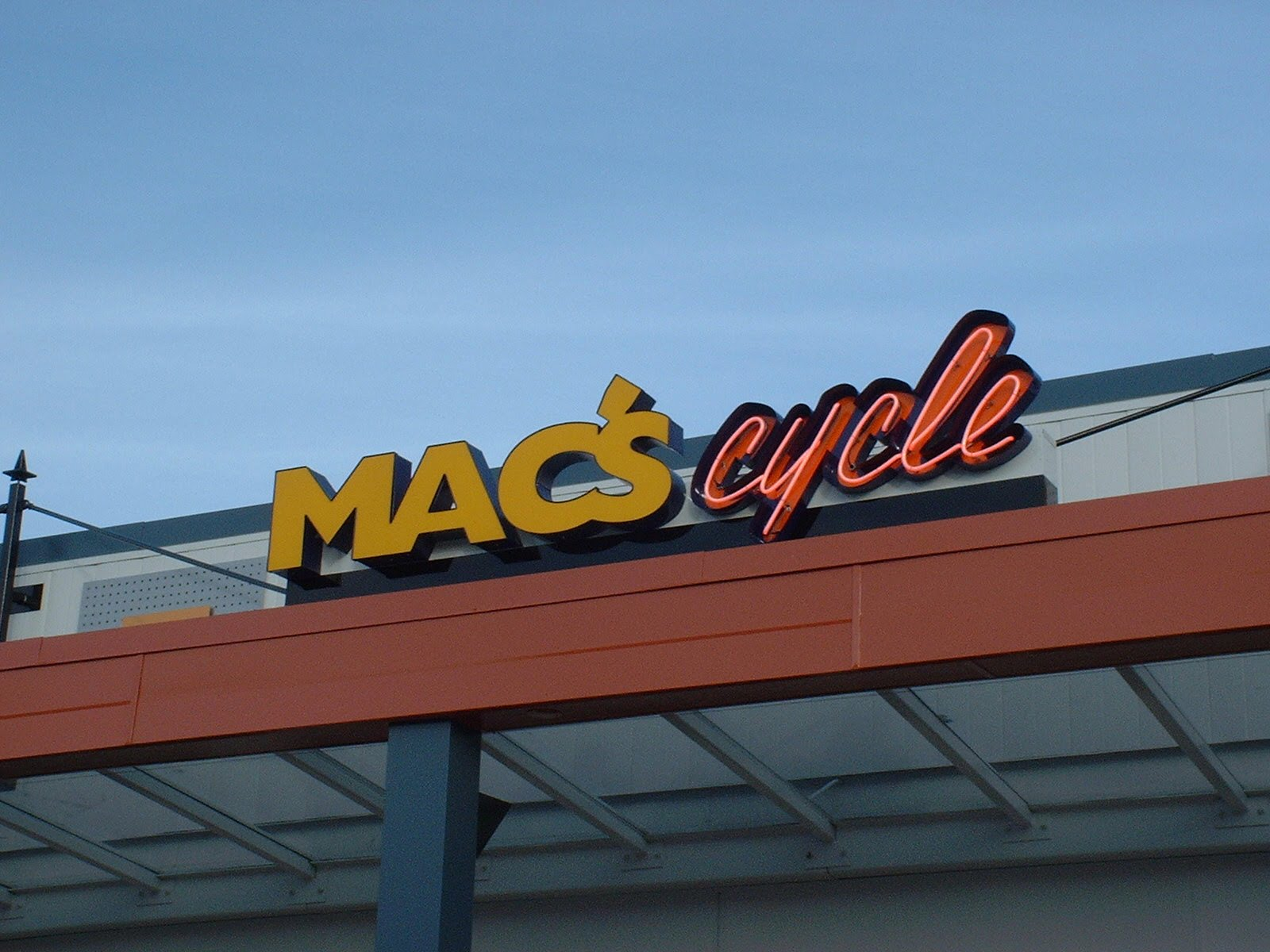 MAC\'S Cycle Image