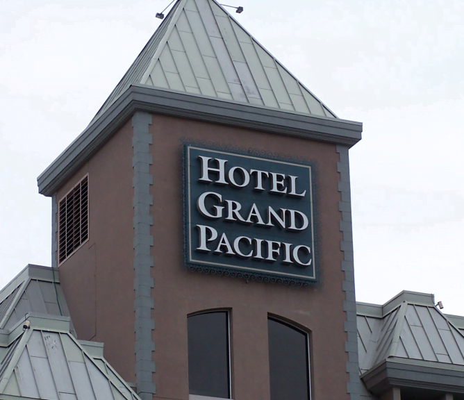 Hotel Grand Pacific Sign Image